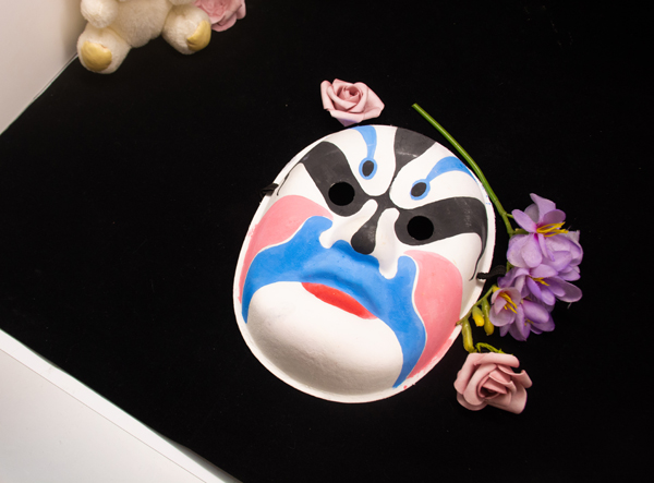 国家京剧院推出脸谱面膜 文化圈为何掀起美妆热