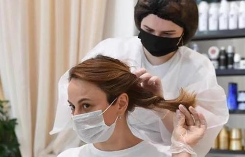 """莫斯科美容院恢复营业后引入""""卫生费"""""""