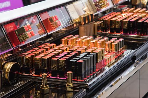 研究北美销售口红发现52%含有毒物质